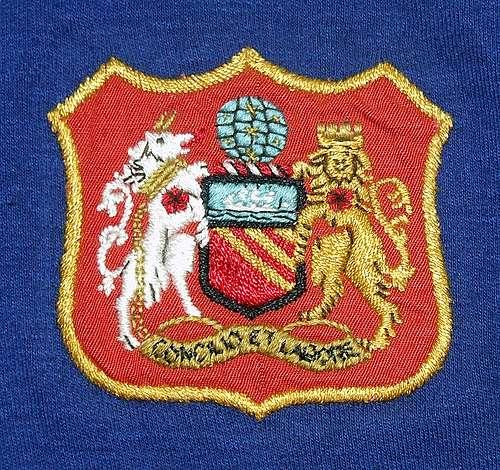 Đây là hình ảnh logo đầu tiên của câu lạc bộ khi được thêu lên áo đấu của các cầu thủ.
